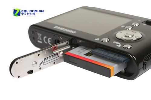 电池,存储卡依然使用目前消费级相机普遍采用的sdhc卡,我们的mp3和