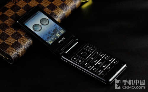 双触屏高端商务智能机 飞利浦t939热销第1张图 高清图片